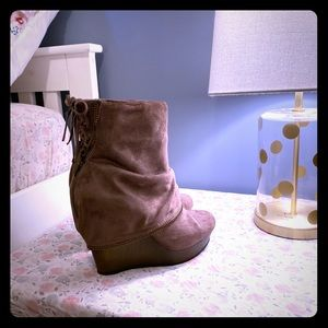 Not Rated ankle boots size 8